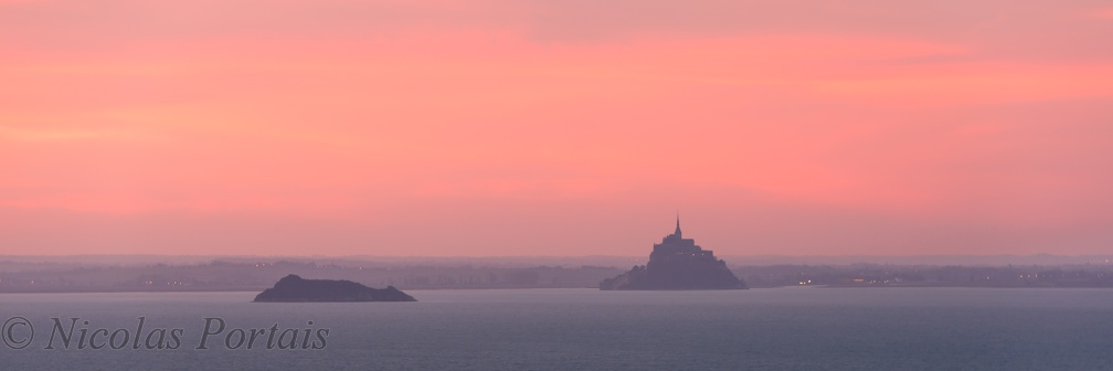 Sunrise on the Mont Saint-Michel (panoramic)